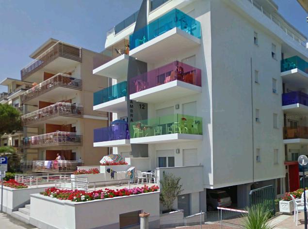 Appartamenti Fronte Mare A Bibione: Condominio_ambra_trilocale_affitto_vacanze_bibione