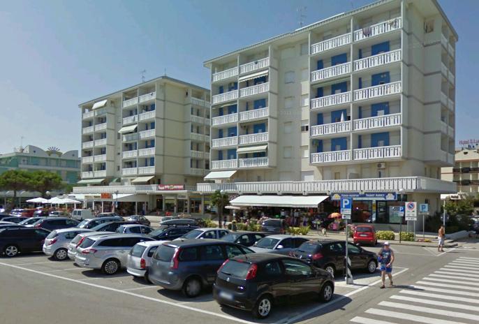 Condominio Anna Bibione Appartamenti Fronte Mare1: Condominio_zenith_piazzale_bibione_appartamenti3