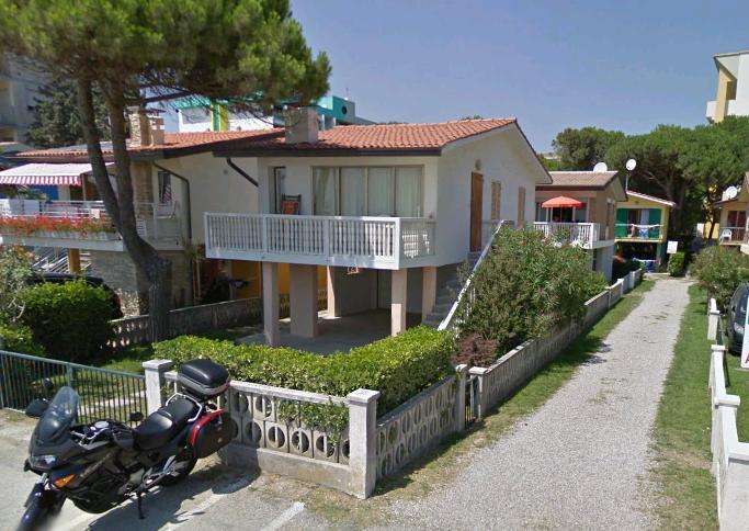 Appartamenti Fronte Mare A Bibione: Villaggio_della_luna_bibione_villette_frontemare