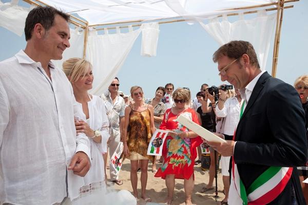 Matrimonio Spiaggia Bibione : Bibione spiaggia matrimonio appartamenti